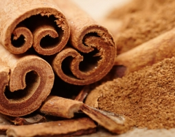 Why is it important to include cinnamon in our kitchen?